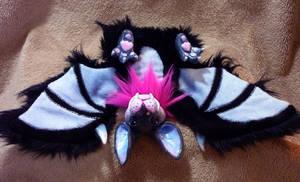 Battybattybatface by apox0n