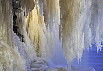 Icicles by Sipelgas