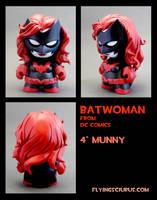 Batwoman Munny by FlyingSciurus