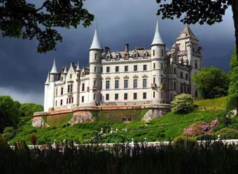 Dunrobin Castle by Enlothien