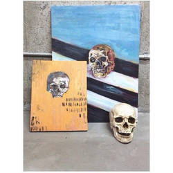 2 skulls  by Okayristen