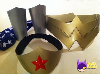 Wonder Woman Accessory Set by teenygeek