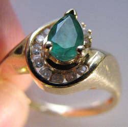Emerald ring by poestokergorey
