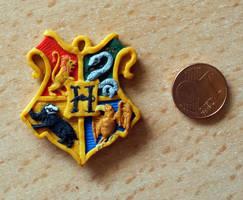 Hogwarts Crest by EerieStir