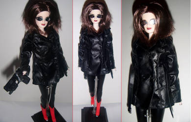 Custom doll -- Molly from Neuromancer by therogueone