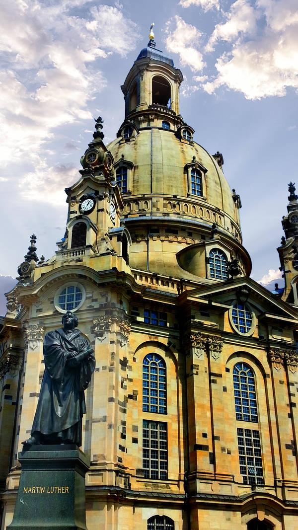 Frauenkirche by RicksCafe