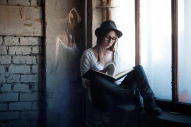 Bookworm dreamer by pranka