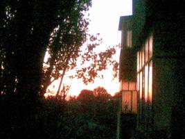 Low-res Sunrise by felixplesoianu