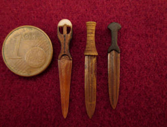 Weapons From The Ancient Egypt - Bronze Daggers by AtriellMe