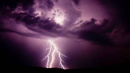 Lightning by nitrolx