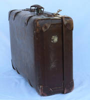 old suitcase6 by Susannehs