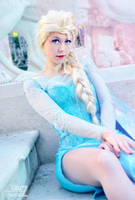 Elsa snow queen by LauzLanille