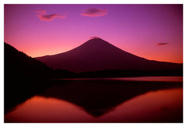 Mt Fuji Sunrise by bethwaukee