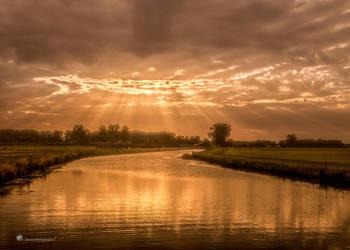 Light from Heaven by Betuwefotograaf