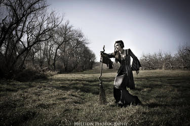 Witchy Woman by bloomsinthenight