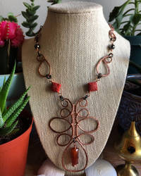 Hand shaped/hammered copper wire pendant necklace by seraphine