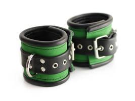Green noble suede bracelets by Me-Se