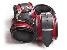 4 cuffs red black by Me-Se