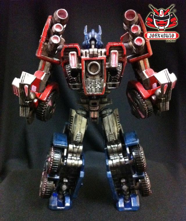 Transformers FOC : Optimus Prime Repaint 04 by wongjoe82