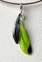 Feather pendant by Glasmagie