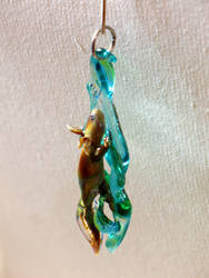 Axolotl Pendant - commissioned work by Glasmagie