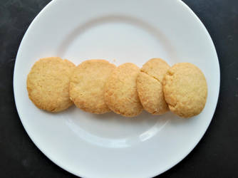 Almond cookies by flameshaft