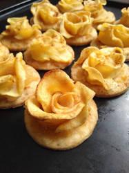 Rose-shaped mini apple tartlets by flameshaft
