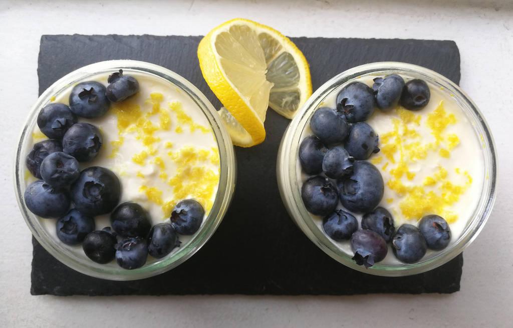 No-bake lemon blueberry cheesecake by flameshaft