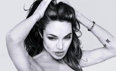 Angelina Jolie by marcbalbi