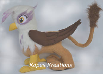 GILDA THE GRIFFIN PLUSHIE by kopeskreations