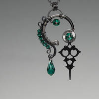 Hekate v3- SOLD by YouniquelyChic