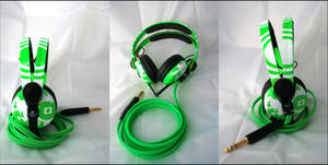 Green vector DJ Headphones by DJ-JFunk