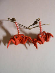 Origami red crab earrings by prusce
