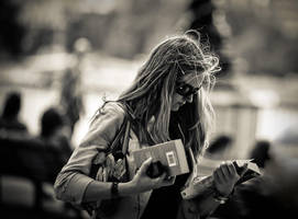 Reading.. by fbuk