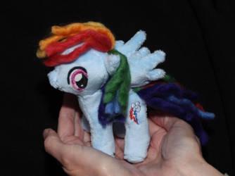 Mini Rainbow Dash - 20% cooler! by DraglaPlushies