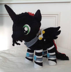 OC for Deejay Shapeshifter by DraglaPlushies