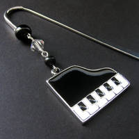 Music Lover's Beaded Bookmark by Gilliauna