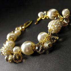 Ivory Pearl Wedding Bracelet by Gilliauna