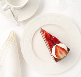 Strawberry cake by Wodger