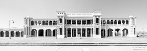 Casa Del Desierto by CheshirePhotographer