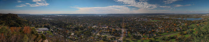 Grandads Bluff, LaCrosse Wisconsin by mitsubishiman