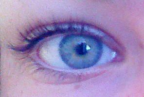 my eye when its not edited. by dantania-dan