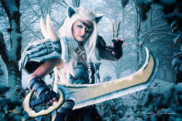 Snow Stalker by EnvisageU