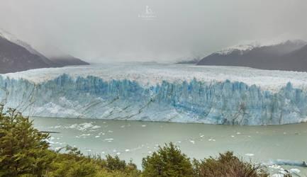 Glacier Perito Moreno - Parc National Los Glaciar by Ghislaine-L