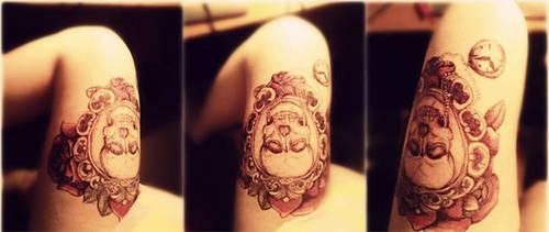 Skull tattoo by HatsuneMimi