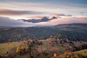 Under the mountains by xBajnox