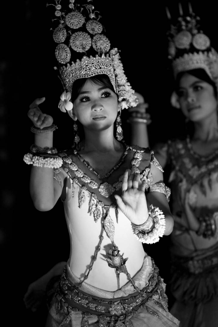 dancers bw series 03 by eyeobscura