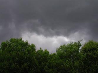 Storm rising by zironjones