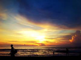 Sunset Kuta Beach, Bali. by syafiqulumam