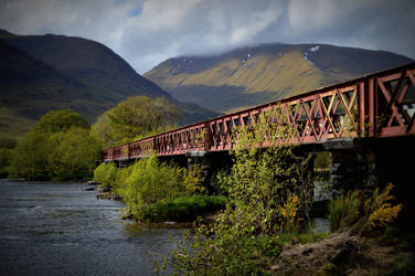 Kilchurn Crossing by greychampion